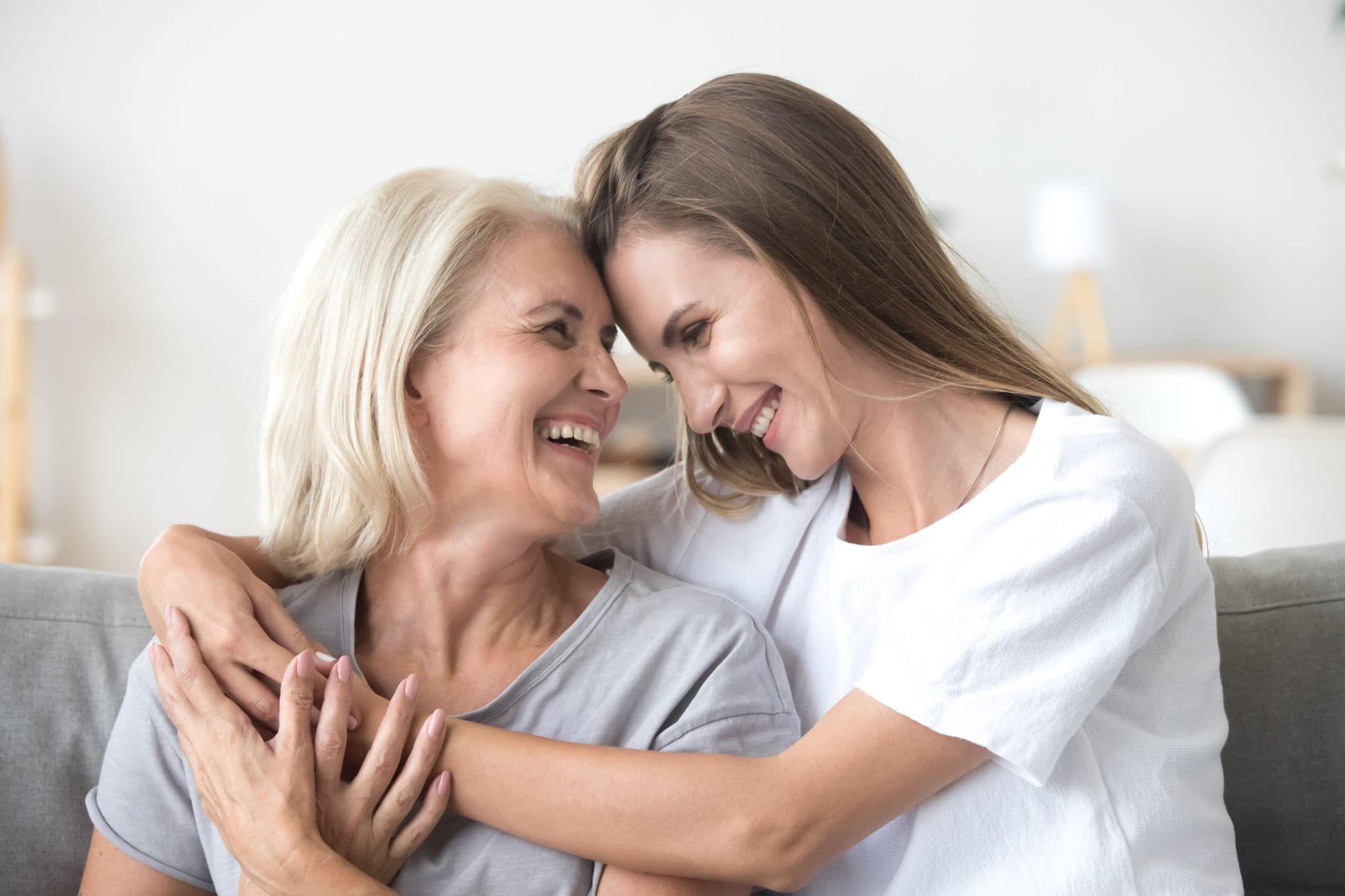 La longevidad esperada de las mujeres está relacionada con la edad del último hijo