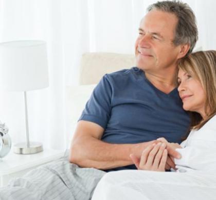 La terapia hormonal previene fracturas y mejora la función sexual en la menopausia
